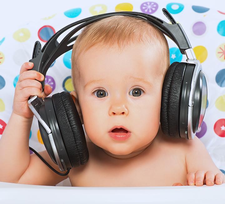 청력을 망가뜨리는 원인 4