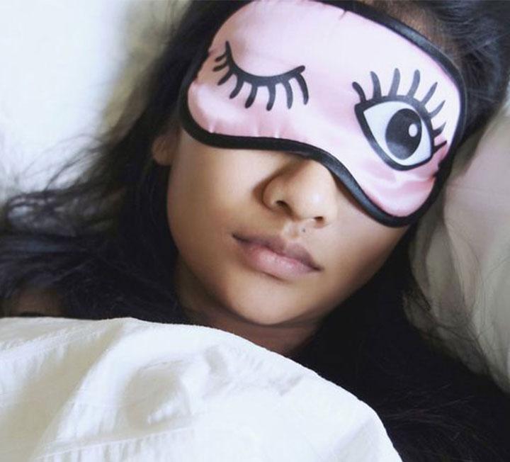 잠 못자서 남자친구와 헤어졌습니다.