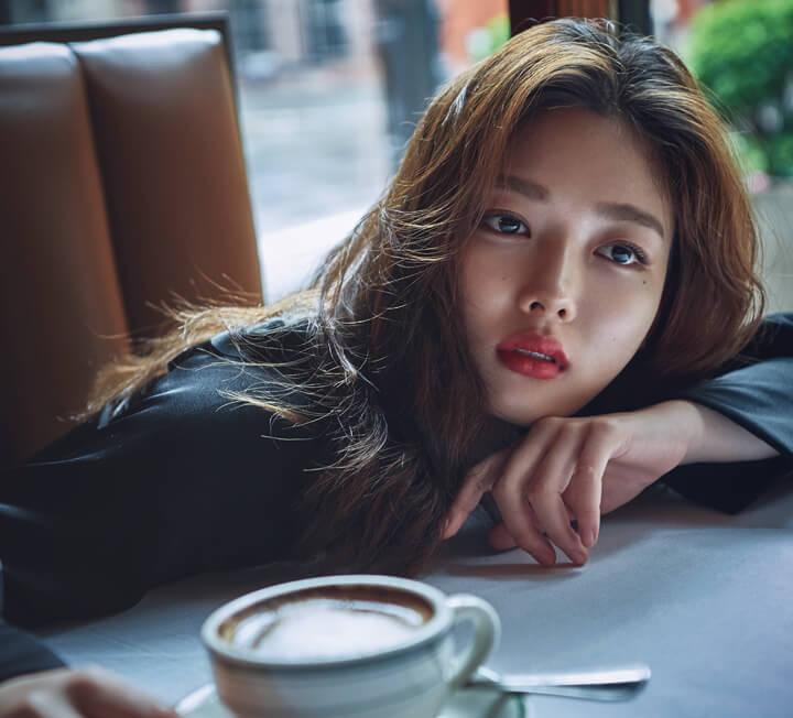 소녀와 숙녀의 경계에서 선 김유정