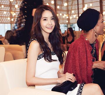 2015 샤넬 크루즈 컬렉션에 초대 된 윤아