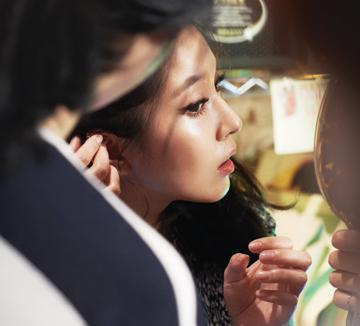 코스모폴리탄 창간 14주년 커버 스토리 '보아와 배두나'