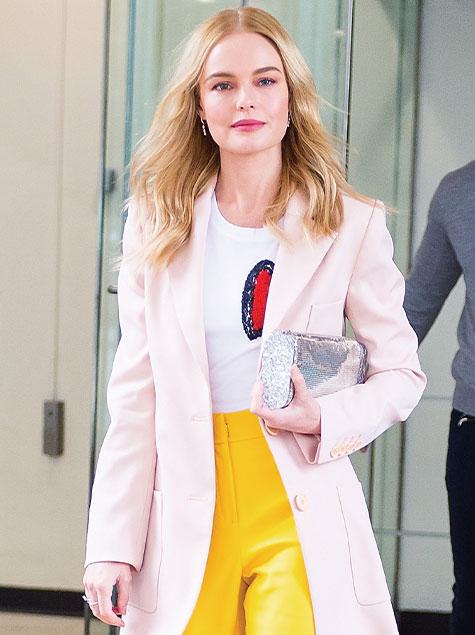 케이트 보스워스가 옐로를 입는 법
