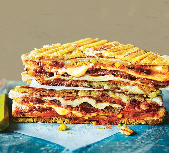 스테이크 VS 피자 샌드위치?