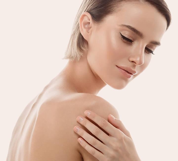 건강하던 피부 컨디션도 갑자기 훅~ 무너지는 환절기. 이맘때쯤 뷰티 에디터들은 어떻게 피부 관리를 할까? 에디터가 들려주는 나만의 환절기 스킨케어 비법! ::환절기, 노화, 피부, 컨디션, 관리, 뷰티, 아이템, 코스모폴리탄, COSMOPOLITAN