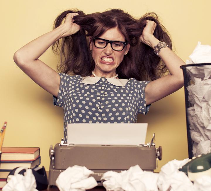 스트레스로 몸도 마음도 녹초가 된 위기의 직장인들을 위한 페이지! 과중한 업무, 상사의 잔소리로 우울해진 당신 마음을 약 없이 진정시키는 10가지 소소한 방법을 모았으니 업무 중 짬날 때마다 실천하자.