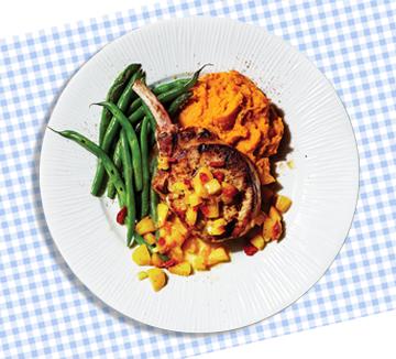 365일 폭식과 절식을 넘나드는 다이어트만 반복하고 있는가? <777 다이어트>의 저자인 미국 영양 전문가 J. J. 버진이 먹는 양을 줄이지 않아도 살이 빠지는 마법의 룰을 제시했다.
