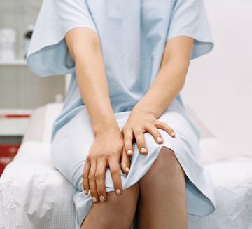 코스모가 삼성전자 건강관리 앱 S헬스와 함께 건강 해결사로 나섰다. 이달 주제는 바로 '건강검진'. 연말 건강검진을 앞둔 독자들의 고민에 S헬스 전문가 군단이 따끈따끈한 조언을 전한다.::건강, 여성질병, 부인과질병, 건강검진, 헬스, 삼성전자, 여성 질환, 코스모폴리탄, COSMOPOLITAN