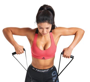 보디 멘토 린다와 함께한 두 번째 클래스는 튜브의 탄성을 이용하는 튜빙 밴드 운동. 밴드의 저항력에 의해 지속적으로 근육이 자극될 뿐 아니라, 전신을 고루 사용하기 때문에 밸런스 운동에 효과적이다.