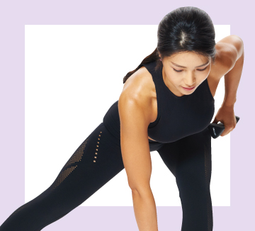 린다와 함께하는 세 번째 홈 트레이닝은 미끄러지듯 연속적으로 움직이면서 밸런스를 깨 근육에 자극을 주는 글라이딩 디스크 운동이다. 모든 동작을 20회씩, 3세트 반복할 것.