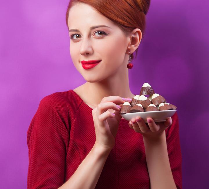 초콜렛에 대한 희소식!! ::미녀, 초콜릿, 코코아, 산화방지제, 피부조직, 수분손실, 혈액순환, 코스모폴리탄, COSMOPOLITAN