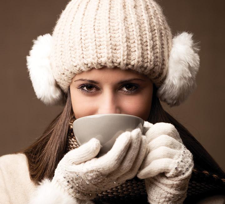 아무리 시술과 마사지를 해도 체온이 36.5~37.5℃를 유지하지 않으면 미인이 될 수 없다. 한겨울에도 따뜻한 체온을 유지할 수 있는 뼛속부터 미인이 되기 위한 웜 어드바이스 수칙 7가지. ::체온, 온도조절, 반신욕, 순환, 열, 근력, 코스모폴리탄, COSMOPOLITAN