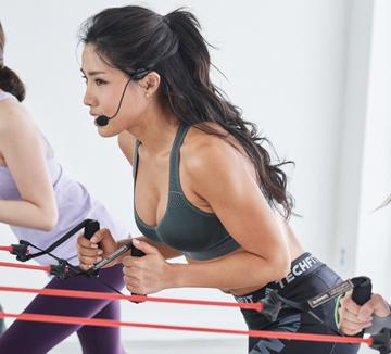 새해 목표 1순위가 건강한 다이어트인 당신의 귀가 솔깃해질 소식! 대한민국 여성들의 워너비 보디인 린다가 새롭게 코스모 보디 멘토로 활동을 시작한다. 그 첫 번째 과제는 '건강하게 한 달에 1kg씩 빼기'다.::린다, 보디, 운동, 관리, 다이어트, 홈트, 코어운동, 운동법, 살빼기, 감량, 체중, 비만, 코스모폴리탄, COSMOPOLITAN