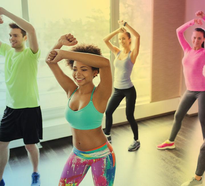 다이어트 효과뿐 아니라 내면까지 변화시켜준다는 마성의 운동 줌바! 줌바로 터닝 포인트를 맞이한 열혈 '줌바인'을 만나봤다. ::줌바, 운동, 바디, 워크아웃, 건강, 다이어트, 피트니스, 헬스, 코스모폴리탄, COSMOPOLITAN