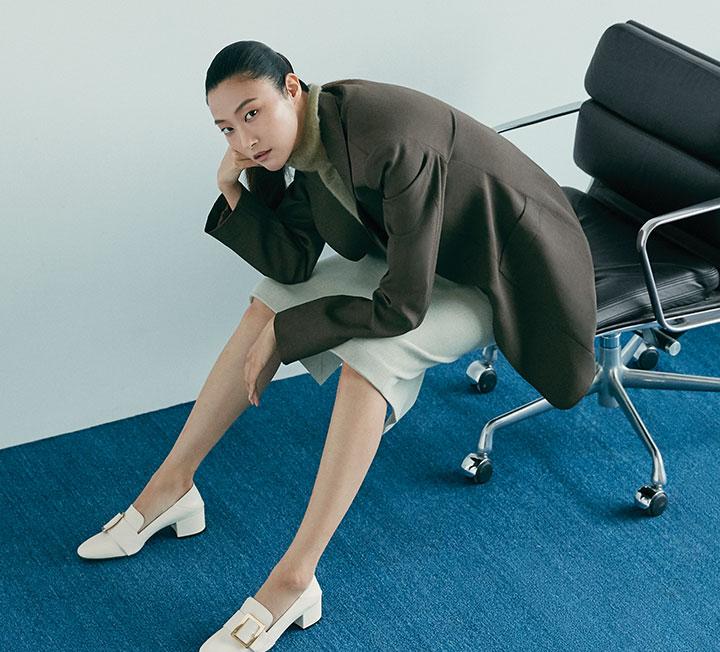 평범하고 고루한 룩 대신 지치고 수고로운 일상에 힘을 더해줄 새로운 오피스 룩 매뉴얼. ::오피스룩, 출근룩, 시크, 출근, 직장인, 직장, 회사, 커리어, 비즈니스, 패션, 코스모폴리탄, COSMOPOLITAN::