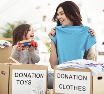 기부를 돈으로만 할 수 있다는 생각은 버려라! 기존의 편견을 시원하게 날려줄 '퍼네이션(Fun + Donation)'이 인기다. SNS, 스마트폰 게임, 혹은 단순히 필요한 물건을 사면서도 세상을 조금 더 아름답게 바꿀 수 있다고 하니 멀게만 느껴졌던 기부와 더욱 친해질 기회다. 금전적 부담 없이 쉽게, 재밌게 기부를 생활화할 수 있는 퍼네이션 사례를 소개한다. ::기부, 생활기부, 퍼네이션, 나무심기, 사랑의열매, 건강계단, 윈도우쇼핑,  코스모 캠퍼스