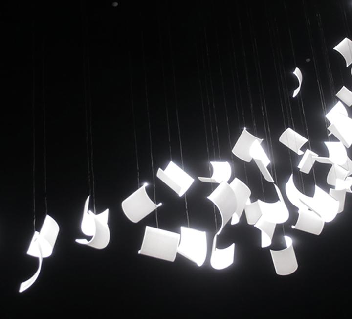 '너의 이름은' 에서 시작된 애니메이션 열풍. 덕후들의 성지라 불리는 홍대 미술대학, 그 중에서도 덕력이 상당하다는 '예술학과' 학생들에게 인생 애니메이션 영화를 물었다. ::미대생, 인생영화, 인생애니, 애니메이션, 덕후, 예술학과, 덕력, 토이스토리, 프린스앤프린세스, 페이퍼맨, 코스모 캠퍼스