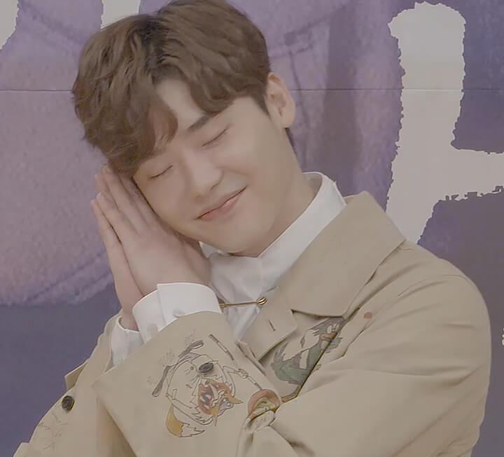9월 22일 오후 2시. SBS에서 열린 드라마 <당신이 잠든 사이에> 제작발표회. 포토월 촬영에서 사회자로부터 드라마 컨셉에 따라 '잠자는 포즈를 해보세요'라는 주문을 받게 된 출연자들. 그들 중 당신이 꼽은 베스트는?