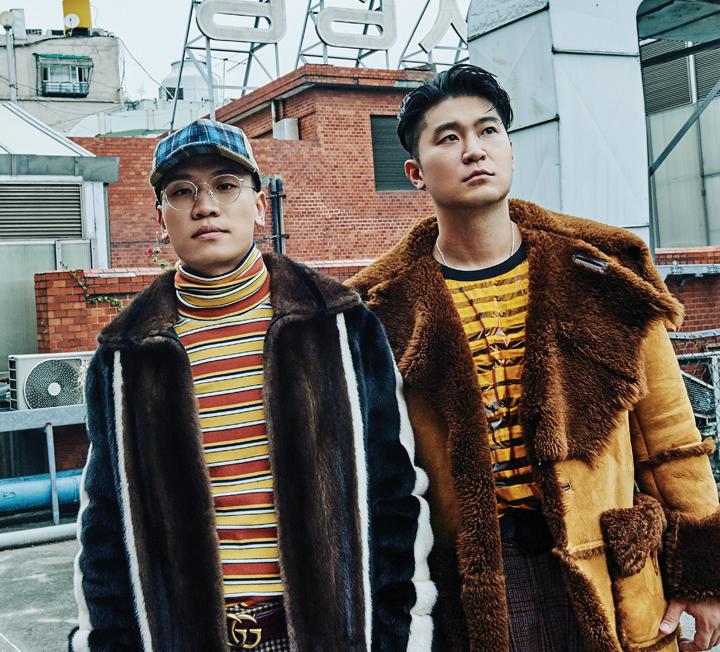 <쇼미더머니>에 뜬 다이나믹 듀오는 TV도, 음원 차트도, 호사가의 타임라인도 단숨에 점령했다. 이 쿨한 오빠들과 서울의 오래된 골목을 누빈 이야기.