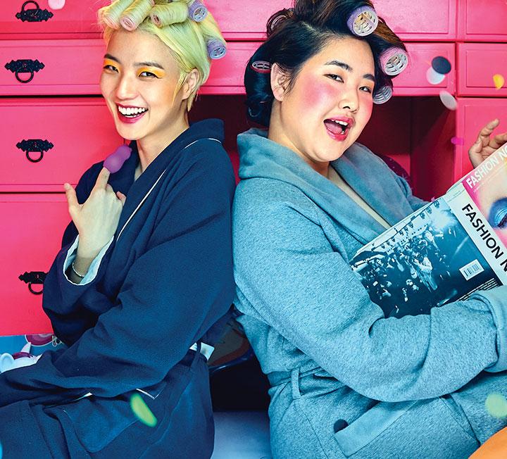 """개그우먼 안영미와 플러스 사이즈 모델 김지양이 팟캐스트 <귀르가즘>을 론칭했다. 성역 없는 섹스와 연애 토크가 난무하는 이 방송을 통해 그들은 """"우리는 무엇이든 말할 수 있다""""라고 이야기한다."""