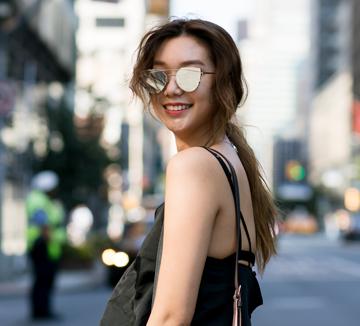 끼쟁이 모델 이호정이 뉴욕으로 향했다. 그 곳에서 그녀가 입고, 먹고, 즐겼던 모든 순간들.::모델, 패션, 패션위크, 뉴욕, 이호정, 바그너 주니어 공원, DKNY, 루이까또즈, 일상, 코스모폴리탄, COSMOPOLITAN