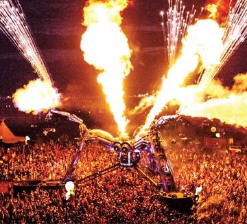 더위가 끝난 줄 알았겠지만 9월에 열리는 뮤직 페스티벌은 덥디더웠던 여름보다 더 화끈하다.::공연, 문화, 콘서트, 페스티벌, 데이트, 가을, 음악, 가수, 힙합, 코스모폴리탄, COSMOPOLITAN