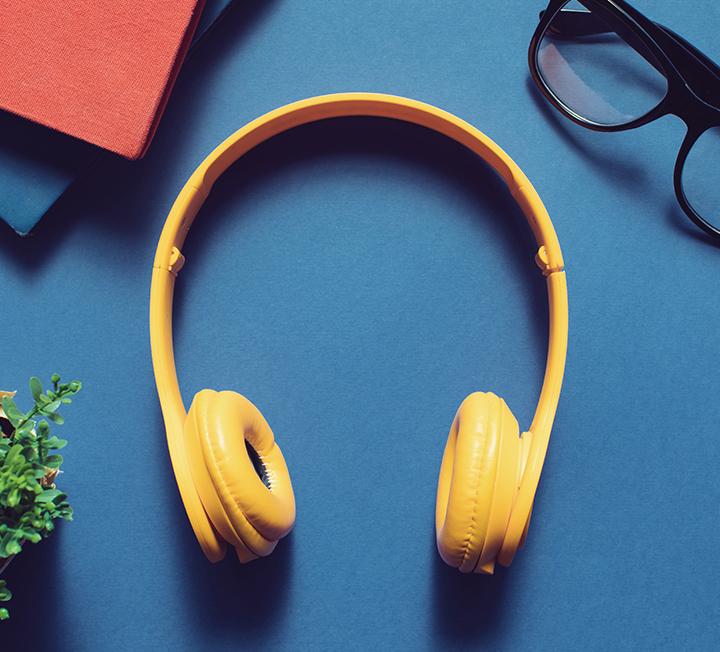 숨이 턱 끝까지 차올라 덤벨을 집어 던져버리고 싶을 때도, 트레드밀 위에서 한 걸음도 더 내딛기 힘들 때도 음악은 도움이 된다. 음악을 들으면 운동량이 20% 증가해 더 많은 칼로리를 소모할 수 있단다. 그래서 운동 좀 한다는 사람들에게 그들의 플레이리스트를 물었다.