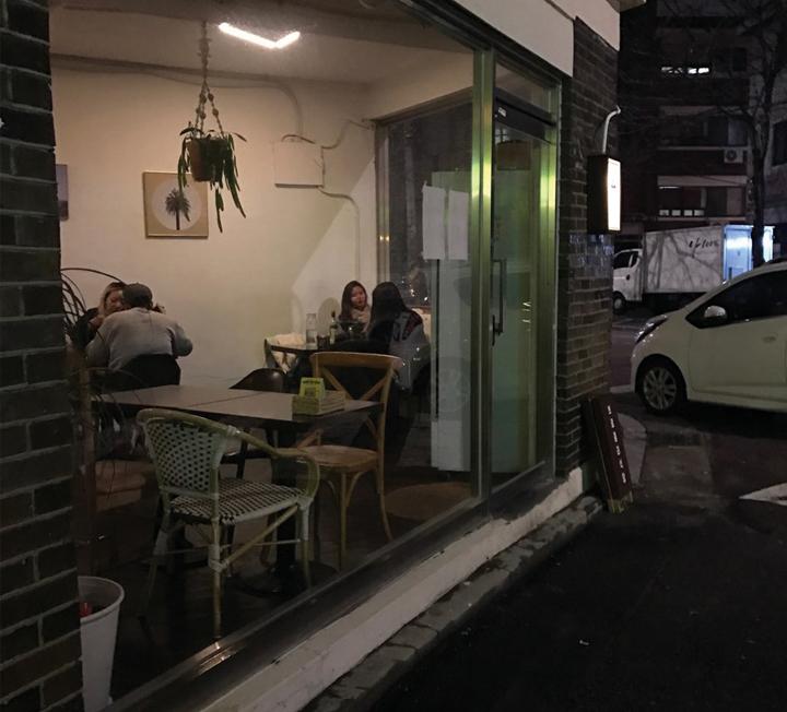 서울의 밤은 길고 길다. 집에 가긴 아쉬울 때 찾고 싶은 심야 식당 3.
