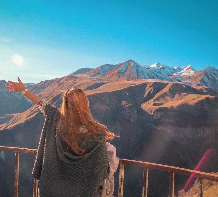 '남들은 잘 모르는 여행지'가 선택의 기준인가? 세계 여행자들이 콕 짚어준, '여행 개척자'를 위한 신대륙 4. ::추천, 여행지, 신대륙, 카즈베기, 베로나, 말라가, 푼타카나, 코스모폴리탄, COSMOPOLITAN