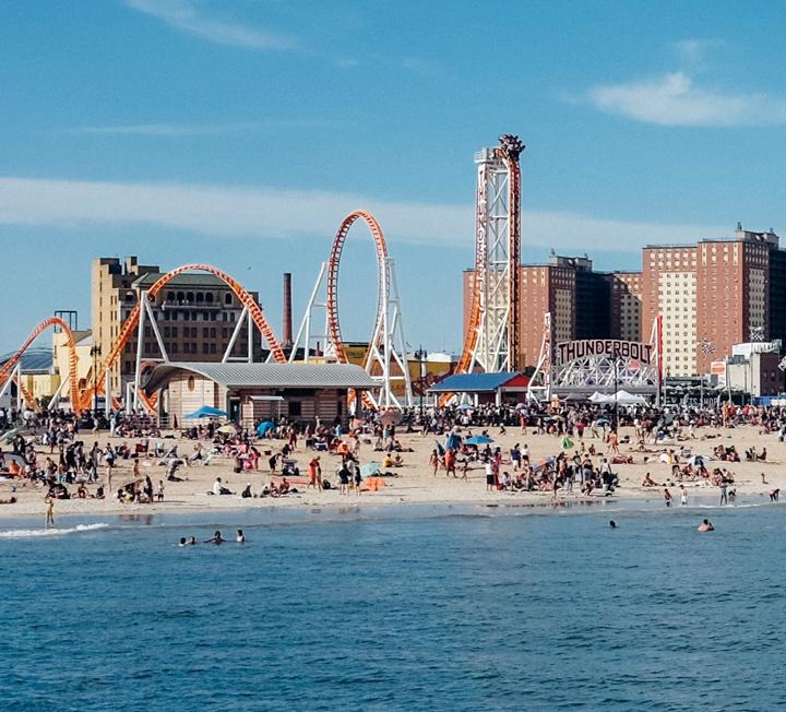 우리가 사랑하는 세계의 빅 시티 뉴욕에서는 올여름 어떤 일이 일어나고 있을까? 로컬이 알려준 그 도시 백배 즐기기. ::뉴욕, 여행, 근교, 코니아일랜드, 브루클린, 루프탑, 공원, 브라이언파크, 코스모폴리탄, COSMOPOLITAN