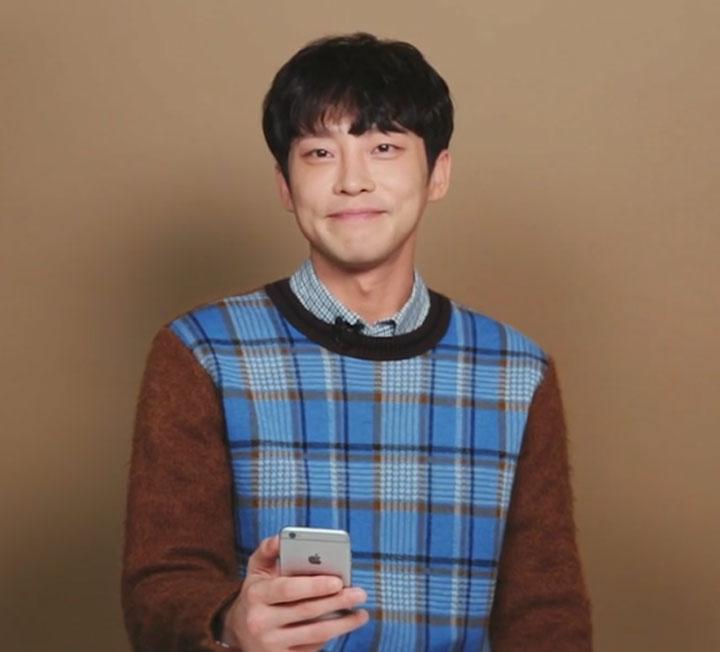 푸드덕 매력남 강성욱의 연애 상담쇼, 썸톡시그널 3탄. 연애인지 썸인지 헷갈리는 그와의 관계 때문에 고민이라면 이번 편을 주목하세요.