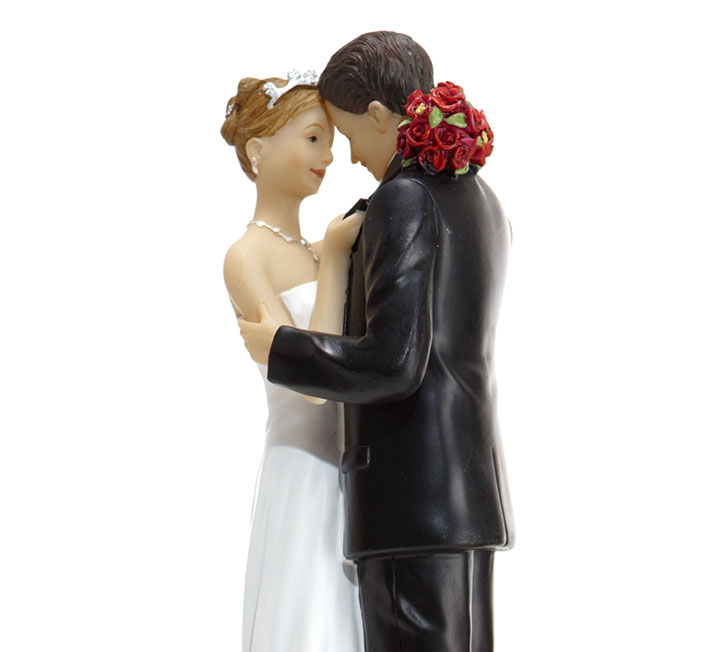 비혼이라는 옵션도 있지만, 해보지 않아서 궁금하고 또 두려운 결혼이라는 미지의 세계. 코스모 SNS에 털어놓은 독자들의 질문에 4명의 유부녀가 답한다. 결혼, 그 복잡함에 대하여.::결혼, 결혼식, 웨딩, 예식비용, 예단, 예물, 스드메, 코스모폴리탄, COSMOPOLITAN::