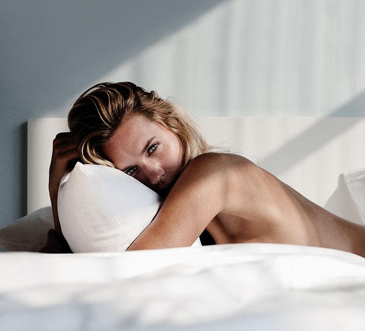 잘못된 구애와 집착이 연애 관계를 망치듯 오르가슴에 대한 강박 또한 섹스에 독이 될 수도 있다. 그렇다면 어떻게 해야 이를 떨쳐버릴 수 있을까? ::사랑, 연애, 섹스, 연애관계, 오르가슴, 오르가슴강박, 코스모폴리탄, COSMOPOLITAN
